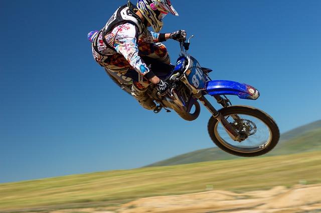 dirt-bike-690770_640
