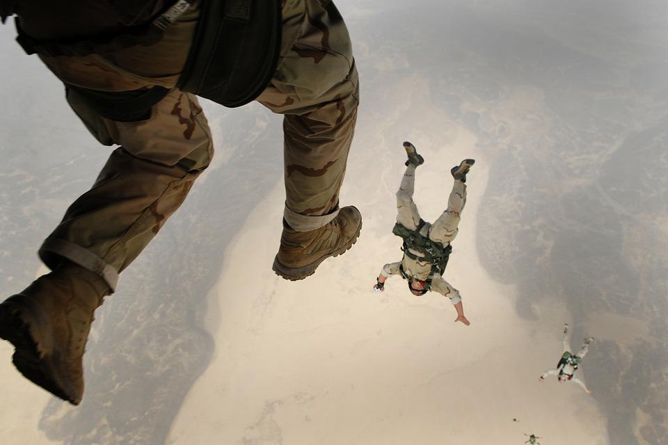 skydiving-658405_960_720