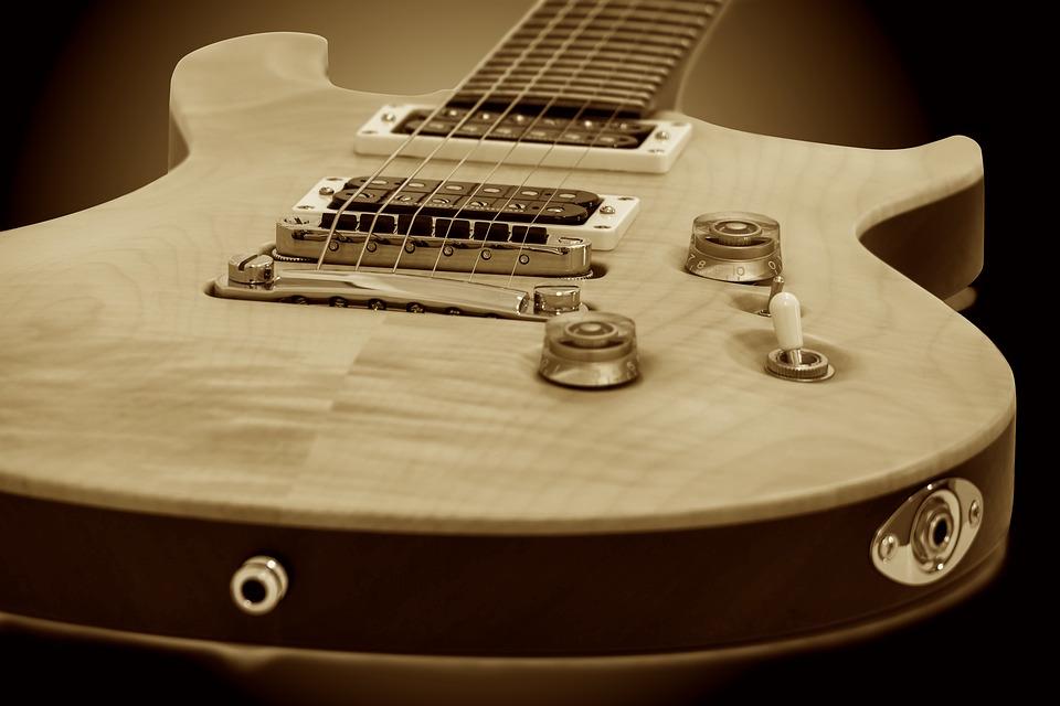 guitar-1202393_960_720