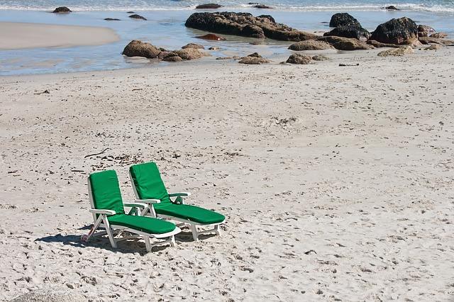 beach-695765_640