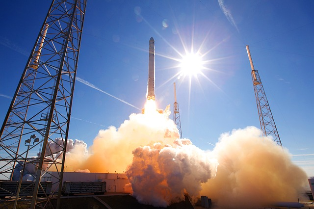 rocket-launch-693192_640