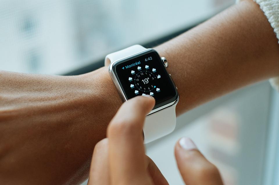 smart-watch-821557_960_720